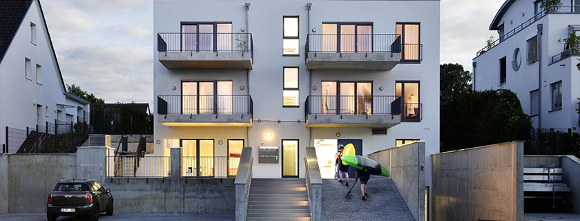 Neubau 5-Familienhaus und Kanuclub durch Gartmann Architekten